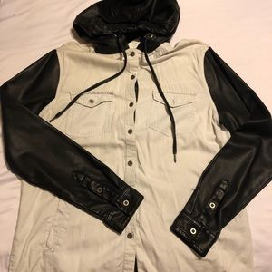 PacSun LAhearts shirt  w/ leather sleeves & hood